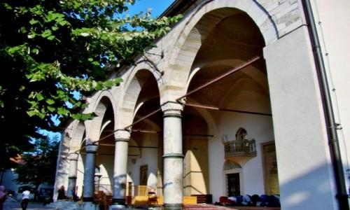 Zdjecie BOśNIA i HERCEGOWINA / centralna Bośnia / Sarajewo / Meczet Gazi Husrev-bega z XVI wieku