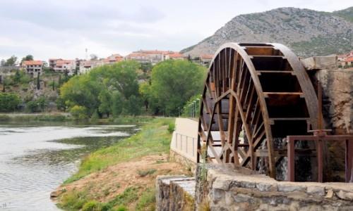 Zdjęcie BOśNIA i HERCEGOWINA / Republika Serbska / Trebinje / koło wodne...
