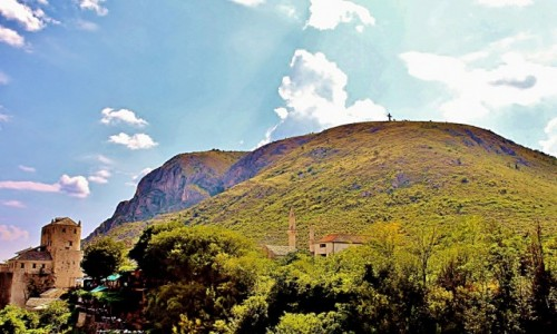 Zdjecie BOśNIA i HERCEGOWINA / Hercegowina / Mostar / Krzyż na górze Hum