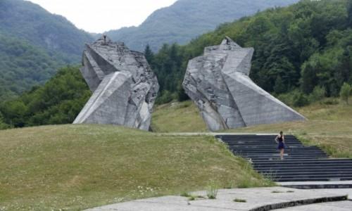 Zdjecie BOśNIA i HERCEGOWINA / Republika Srpska / PN Sutjeska / Pomnik poległych partyzantów