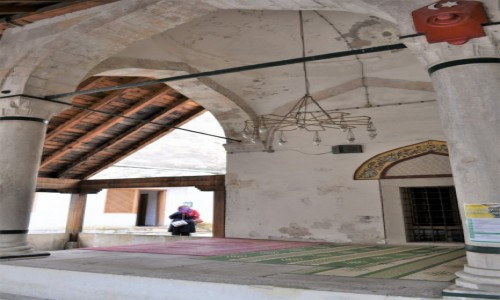 BOśNIA i HERCEGOWINA / Kanton hercegowińsko-neretwiański / Mostar / Mostar, meczet