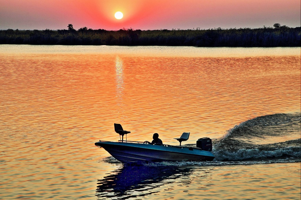 Zdjęcia: Park Narodowy Chobe, Wieczór nad rzeką Chobe , BOTSWANA