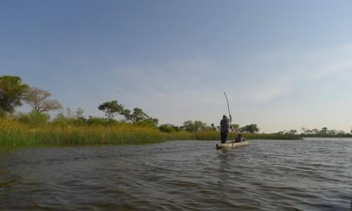 Zdjecie BOTSWANA / Północna Botswana  / Delta Okawango/ na łodzi  / Przez wodę Okawango