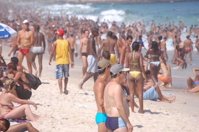 Zdjęcia: Rio de Janeiro, Copacabana, Zakaz kapieli na Copacabanie :), BRAZYLIA