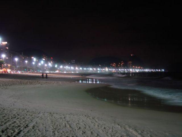 Zdjęcia: Copacabana, Rio de Janeiro, Copacabana nocą, BRAZYLIA