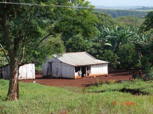 Zdj�cia: przy granicy z Paragwajem, przy garnicy z Paragwajem, dom dla kilkunastu os�b, BRAZYLIA