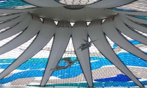 BRAZYLIA / Brasilia / Główna oś miasta / Katedra metropolitalna