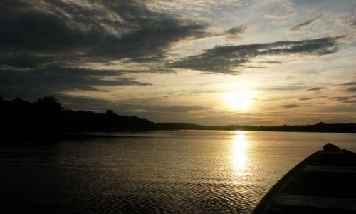 BRAZYLIA / Manaus / Gdzieś w dżunglii / Zachód słońca nad Amazonką