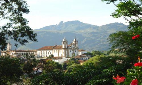 Zdjęcie BRAZYLIA / Minas Gerais / Ouro Preto / Widok z okna jadalni