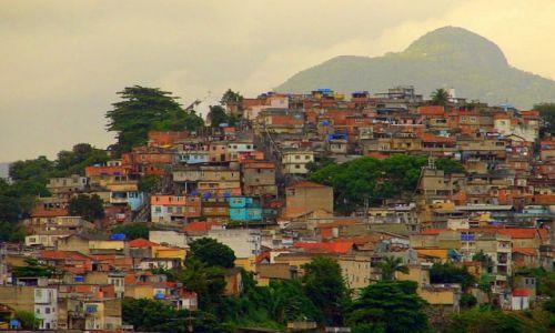 Zdjecie BRAZYLIA / Rio de Janeiro / najwieksza fawela Rocinha / Ech .zycie!