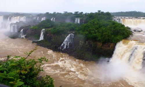 Zdjęcie BRAZYLIA / okolice Foz de Iguazu / Park Narodowy Iguazu / wodospad Iguazu