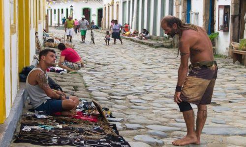 Zdjęcie BRAZYLIA / prowincja Rio de Janeiro / Paraty / Życzysz jaką ozbóbkę na kolano?