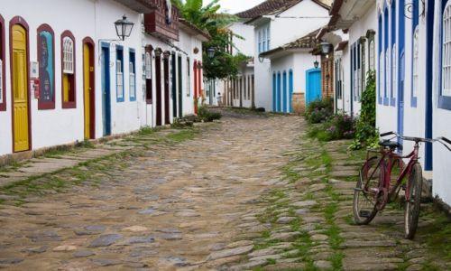 Zdjęcie BRAZYLIA / prowincja Rio de Janeiro / Paraty / urokliwa uliczka