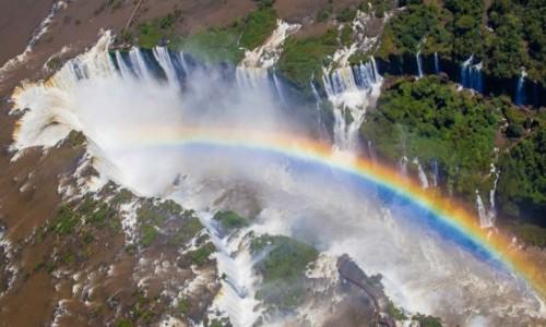 BRAZYLIA / Parana / Foz do Iguacu  / Iguacu z tęczą