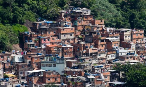 Zdjęcie BRAZYLIA / Rio de Janeiro / fawela Rocinha / Na faweli