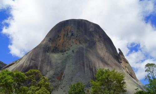 Zdjęcie BRAZYLIA / Espirito Santo / Parka Narodowy Pedra Azul / Błękitna Skała