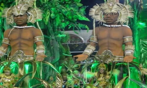 Zdjęcie BRAZYLIA / Rio de Janeiro / Sambodrom / Największe wrażenie robiły potężne platformy