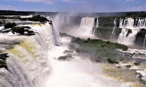 Zdjęcie BRAZYLIA / Parana / Wodospady Iguazu, strona brazylijska / Chwila zadumy nad potęgą natury