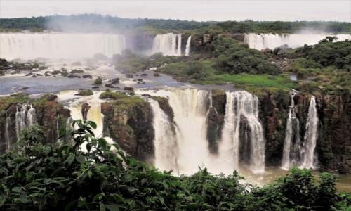 BRAZYLIA / Parana / Wodospady Iguazu, strona brazylijska / Jeden z cudów świata przyrody