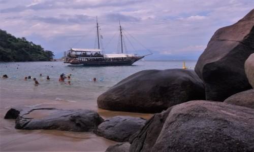 Zdjecie BRAZYLIA / Wybrzeże w okolicach Paraty / Plaża przy jednej z oceanicznych wysp / Rejs szkunerem wokół wysepek