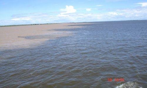 Zdjecie BRAZYLIA / brak / rzeka / tam gdzie miesza się Amazonka