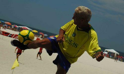 Zdjęcie BRAZYLIA / rio de janeiro / copacabana / w piłkę każdy może...