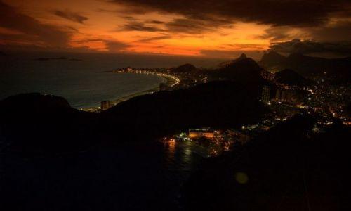 Zdjęcie BRAZYLIA / brak / Rio de Janeiro / Zachód Słonca nad Copacabana