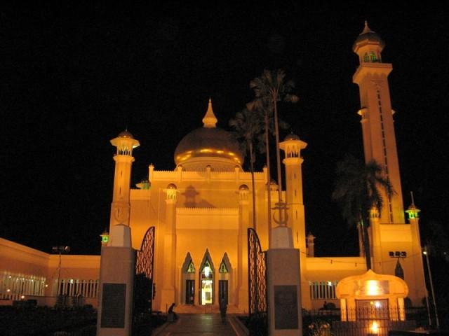 Zdjęcia: Bandar Seri Begawan, Borneo, Meczet sułtana Omara Ali Saifuddiena, BRUNEI