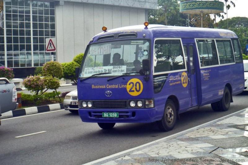 Zdjęcia: Bandar Seri Begawan, Bandar Seri Begawan, bus komunikacji miejskiej w Brunei, BRUNEI