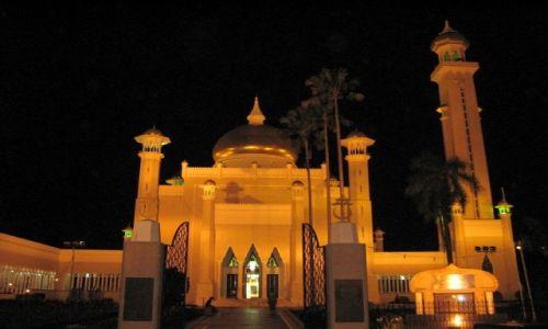 BRUNEI / Borneo / Bandar Seri Begawan / Meczet sułtana Omara Ali Saifuddiena