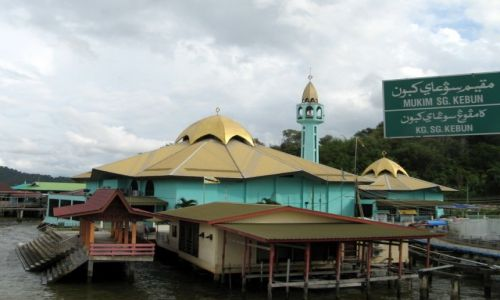 BRUNEI / Borneo / Bandar Seri Begawan / Meczet w Kampong Ayer