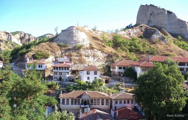 Zdjęcia: Melnik, Południe, Melnik - domki przyleopne do zboczy, BUłGARIA