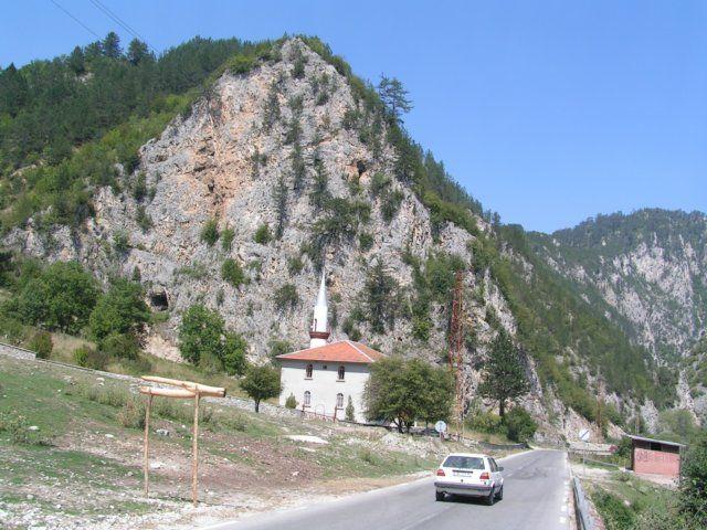 Zdjęcia: Borino, Rodopy, Droga wśród ścian, BUłGARIA