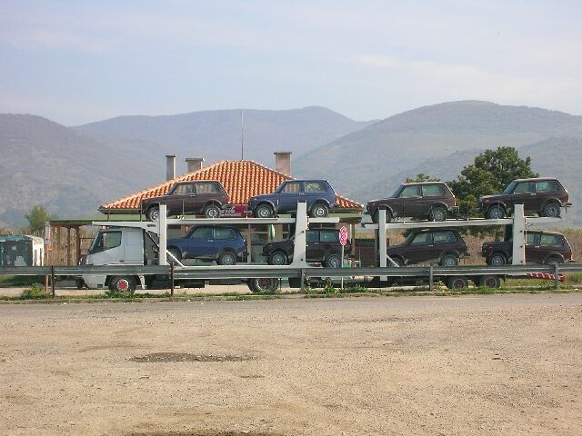 Zdjęcia: Bułgarska codzienność, Parking na trasie Sofia- morze, BUłGARIA
