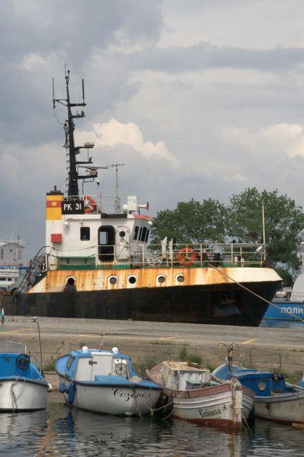 Zdjęcia: stary port, sozopol, stary kuter w starym porcie, BUłGARIA