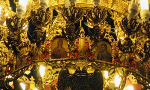 BUłGARIA / Sofia / Cerkiew Świętej Niedzieli / Święci z żyrandola