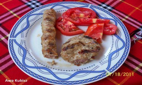 Zdjecie BUłGARIA / Południe / Melnik / Kebabcze - barani paluszek i kjufte - kotlecik mielony