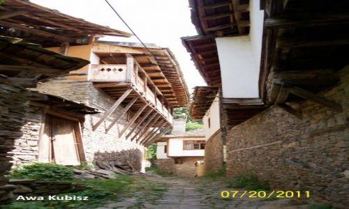 BUłGARIA / Południe / Rodopy / Kowaczewica - rezerwat architektoniczno-historyczny z domami w stylu rodopskim