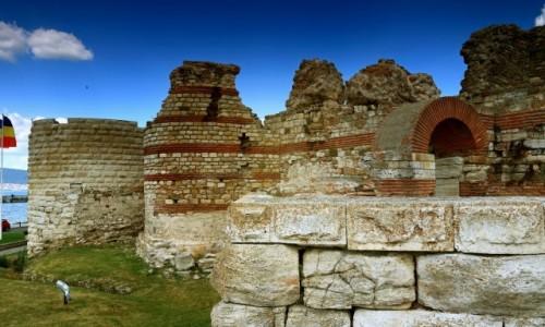 Zdjęcie BUłGARIA /  Wybrzeże Morza Czarnego / Nesebyr  / Akropol i  fragment muru