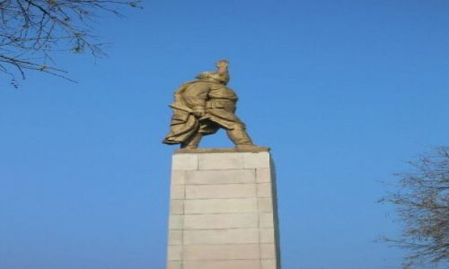 Zdjecie BUłGARIA / brak / Bułgarska codzienność / Pomnik żołnierz