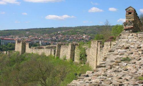 Zdjecie BUłGARIA / brak / Bułgarska codzienność / Rekonstrukcja antycznego muru- Veliko Tyrnovo