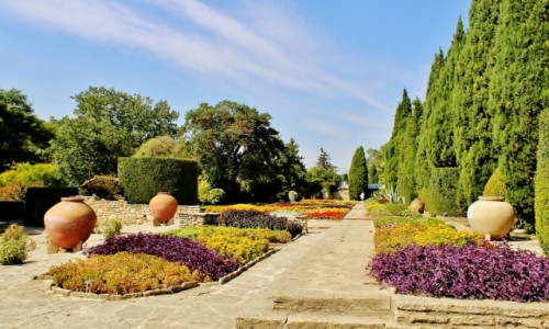 Zdjecie BUłGARIA / obwód Dobricz / Bałczik / Ogród wokół pałacyku królowej Marii