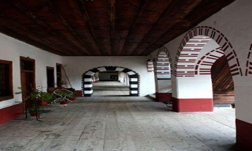 BUłGARIA / Rila / Monastyr Rylski / Korytarze monastyru