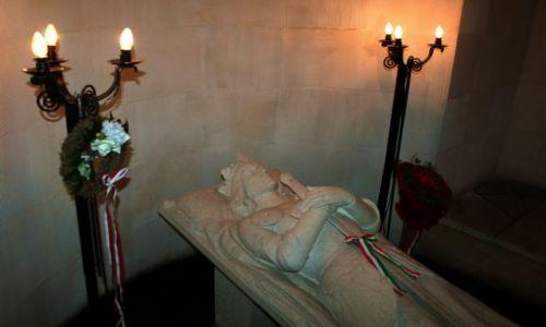 BU�GARIA / - / Warna / Symboliczny grobowiec Warne�czyka