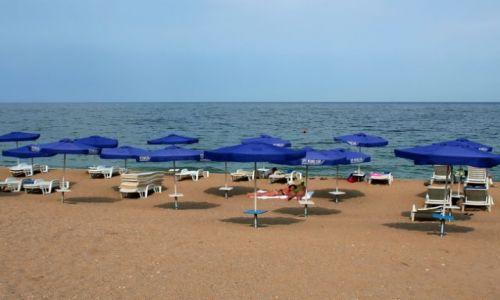 Zdjęcie BUłGARIA / - / Złote Piaski / Niebieskie parasole