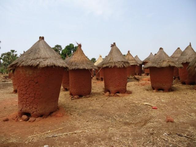 Zdjęcia: okolice Sindou, Leraba, Tradycyjne domy, BURKINA FASO