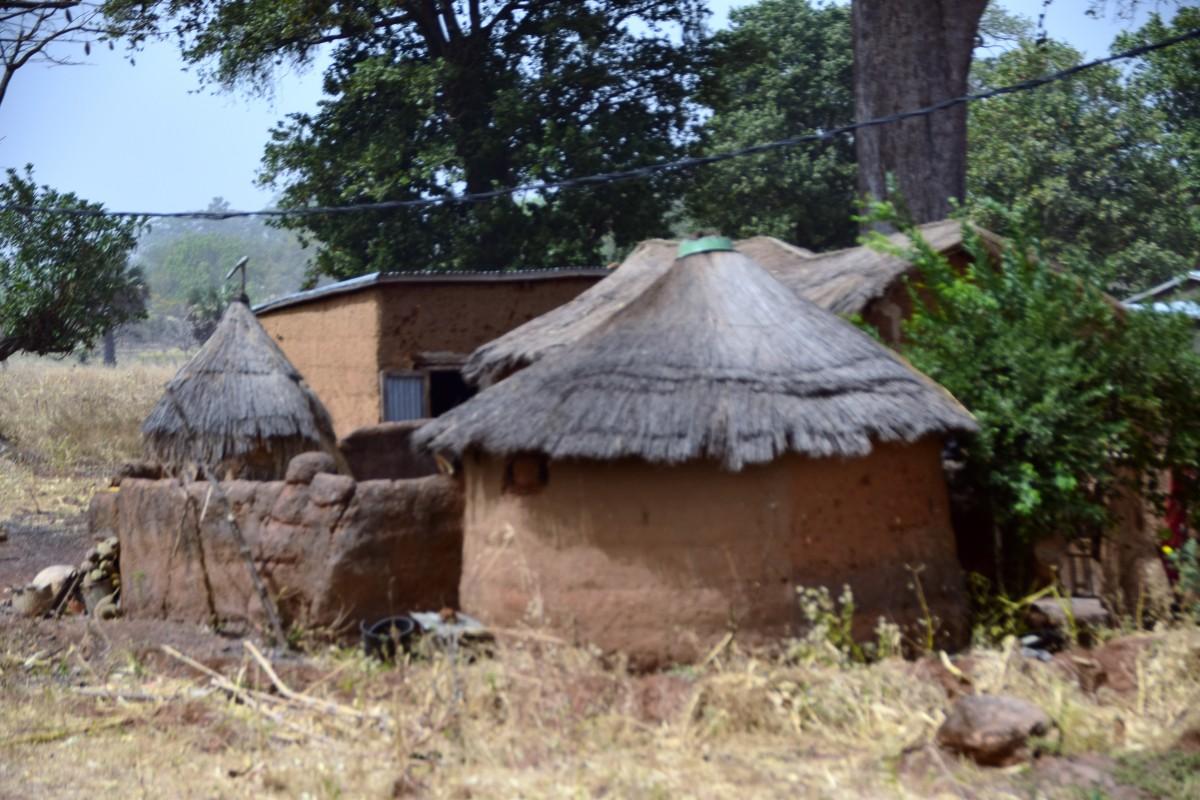 Zdjęcia: Sindou, Południowy zachód, Afrykański domek, BURKINA FASO