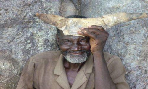 BURKINA FASO / - / gdzieś w okolicy Banfory / Strażnik drzewa