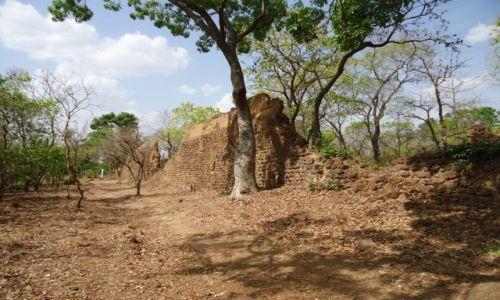 BURKINA FASO / Poni / Loropeni / Ruiny Loropeni (2)