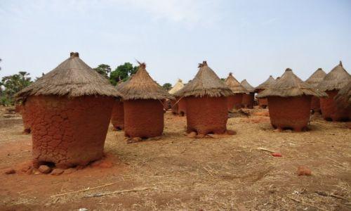 Zdjęcie BURKINA FASO / Leraba / okolice Sindou / Tradycyjne domy